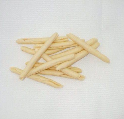 maccheroncini, pasta tradizionale, tipica pugliese